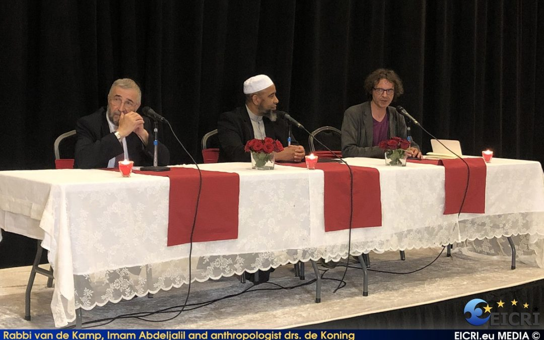 How an Imam and Rabbi promote the idea of living together during an Iftar in the Netherlands